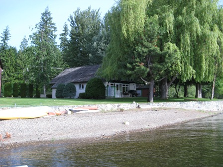 Cottage For Rent Celista BC